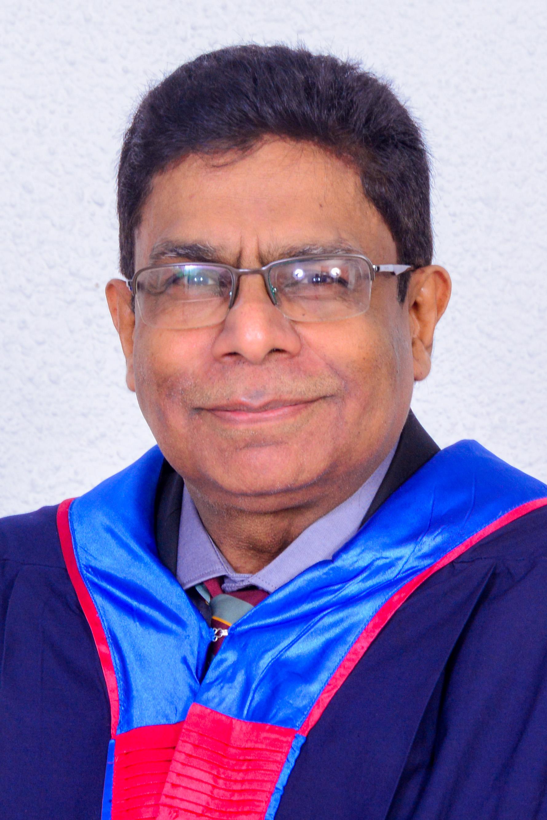 Dr Christo Fernando